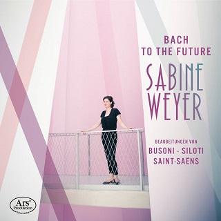 La pianiste Sabine Weyer joue Bach transcrit par des modernes