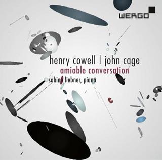 La pianiste Sabine Liebner joue Cage et Cowell