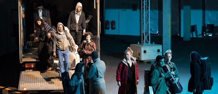 aux Donaueschinger Musiktage, TRANSIT, spectacle de Laurent Chétouane