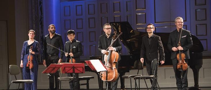 Miroslav Srnka et ses interprètes Wilhem Latchoumia et le Quatuor Diotima