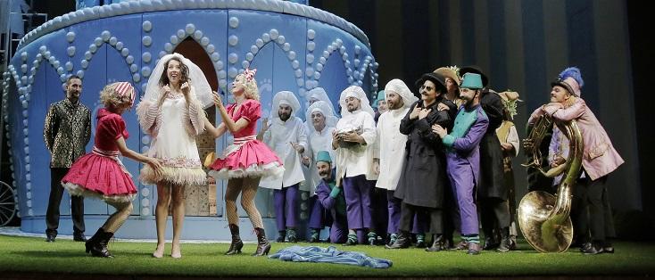 au Rossini Opera Festival de Pesaro, Rosetta Cucchi met en scène Adina (1826)