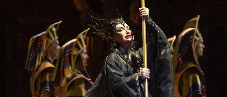 Speranza Scappucci joue Aida, en fosse de l'Opéra royal de Wallonie