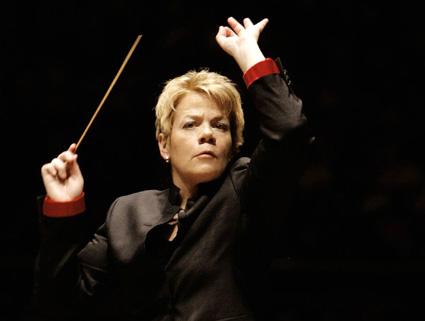 Marin Alsop dirige l'Orquestra Sinfônica do Estado de São Paulo à Paris