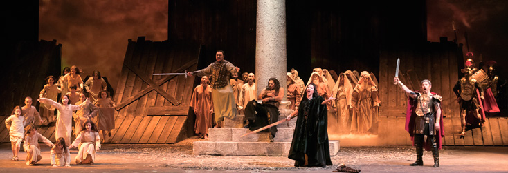 à Modène, Enrico Stinchelli met en scène le rare Attila de Giuseppe Verdi