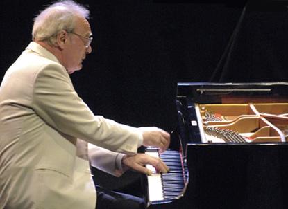 le pianiste Alfred Brendel, phorographié par Marc Shapiro au Festival de Verdier