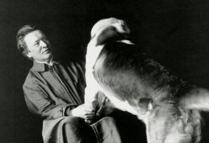 le compositeur italo-allemand Ferruccio Busoni, ami des grands chienchiens