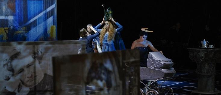 Isabel Ostermann met en scène Europeras 1&2 de John Cage au théâtre de Brunswick