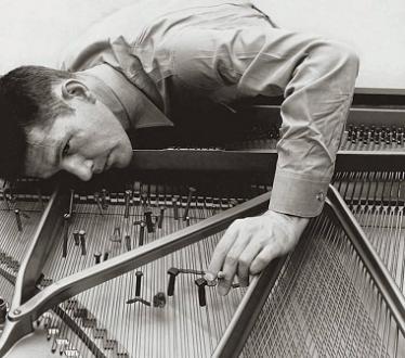 Les pianistes Anne de Fornel et Jay Gottlieb jouent Cage et Satie