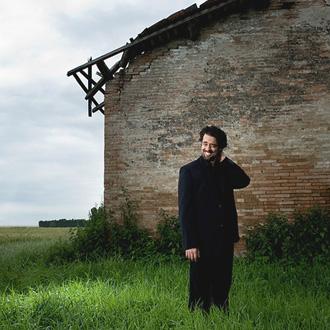 le compositeur italien Carlo Ciceri photographié par Giancarlo Pradelli