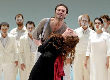 Nikolaï Schukoff est Don José (Carmen de Bizet) au Châtelet (Paris)