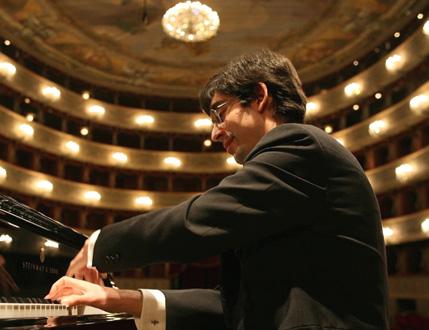 le jeune et talentueux pianiste italien Gianluca Cascioli en récital