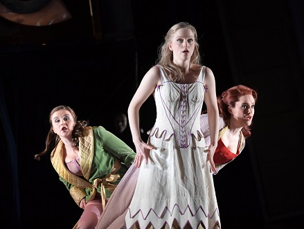 Keith Warner met en scène La Cenerentola (Rossini) à l'Opéra de Francfort