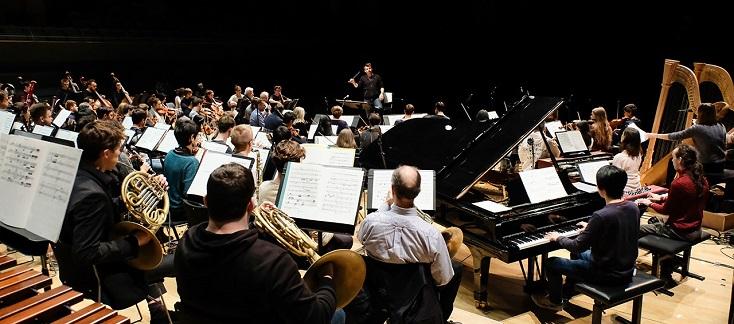 Matthias Pintscher dirige l'Orchestre du Conservatoire et l'EIC dans Berio