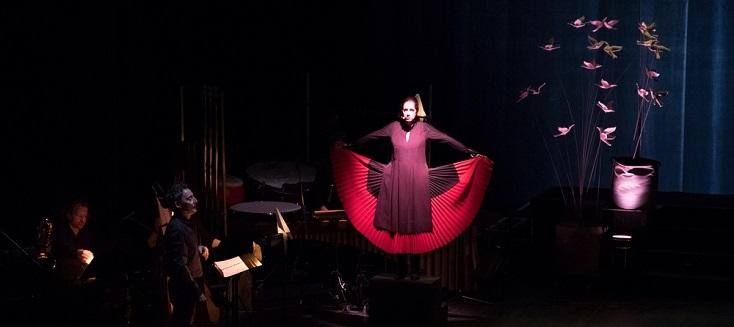 Raquel Camarinha dans La conférence des oiseaux, de Michaël Levinas