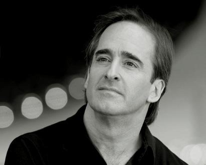 le chef d'orchestre James Conlon photographié par Todd Rosenberg