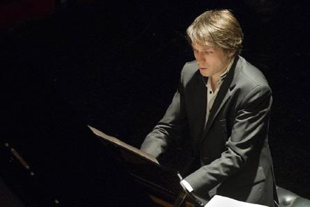 le jeune pianiste Guillaume Coppola joue Liszt à Saint-Étienne