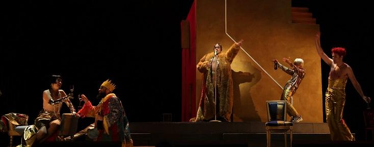 le baryton chilien Ramiro Maturama est Crésus (Keiser) à l'Athénée (Paris)