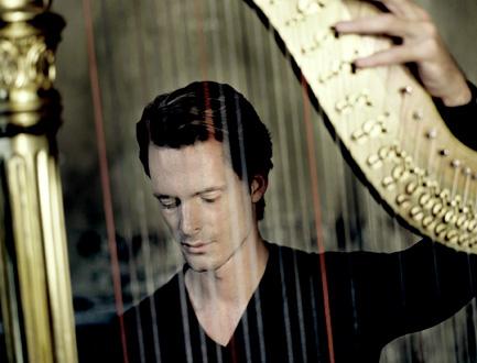 le harpiste Xavier de Maistre fait découvrir Hermann et Krumpholtz à Versailles