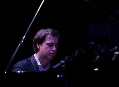 Le jeune Dmitri Kalaschnikov en récital à Lille Piano(s) Festival