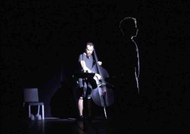 trois solistes de l'EIC dans la création de Codec Error d'Alexander Schubert