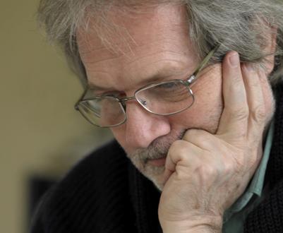 le compositeur hongrois Péter Eötvös, photographié par Priska Ketterer