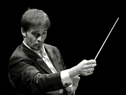 Philippe Forget dirige l'Orchestre national de Lorraine à l'Arsenal (Metz)