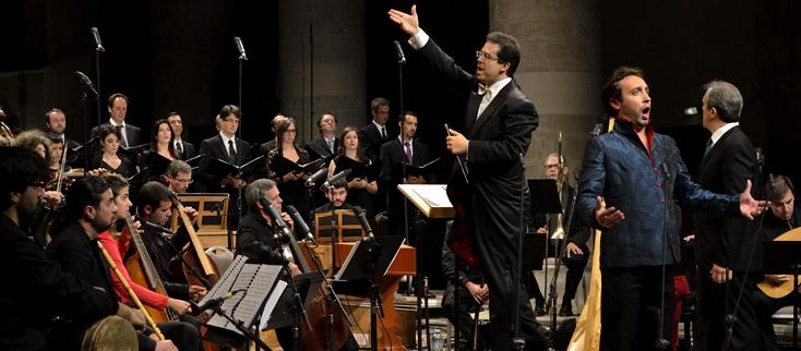 Leonardo García Alarcón digire la musqiue de Falvetti au Festival d'Ambronay