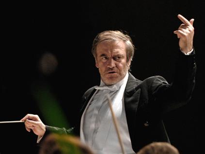à l'Euskalduna Jauregia de Bilbao, Valery Gergiev joue le Requiem de Verdi