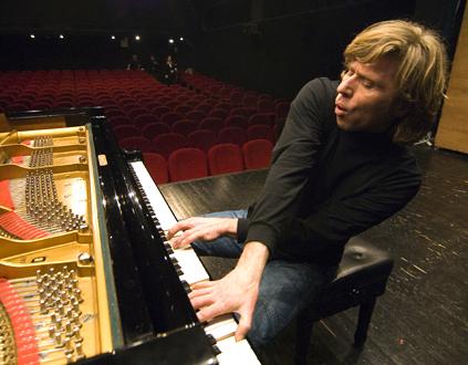 le pianiste slovène Bojan Gorišek en récital à Cannes, au MIDEM Classique