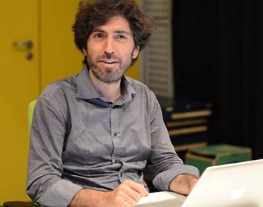 Carlo Lorenzi encadre l'atelier réalisation informatique musicale à l'Ircam