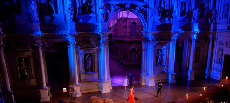 Au Teatro Olimpico de Vicence, opéra bouffe en un acte de Gioachino Rossini