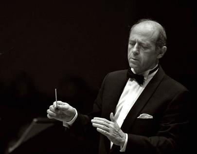 le chef d'orchestre hongrois Iván Fischer joue Mahler à la salle Pleyel (Paris)