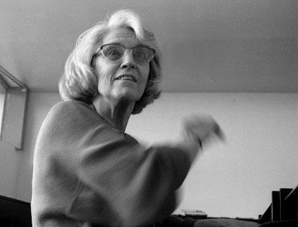 la compositrice française Betzy Jolas, en résidence chez Utopik à Nantes