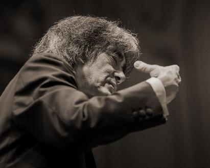 Kent Nagano dirige l'Orchestre Philharmonique de Radio France