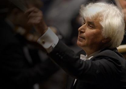 le chef russe Dmitri Kitaïenko dirige l'Orchestre national de Lille
