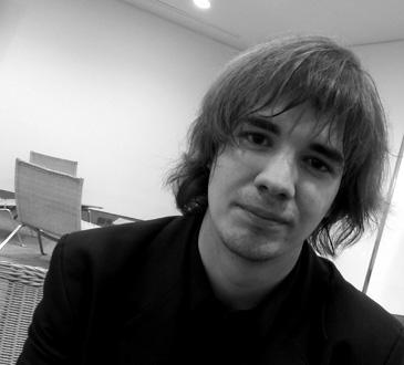 le jeune pianiste hongrois Dániel Lebhardt, photographié par Bertrand Bolognesi