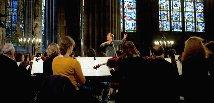 Marko Letonja répète la Sympmhonie n°2 de Mahler en la Cathédrale de Strasbourg