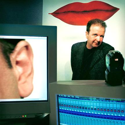 le compositeur François Paris, directeur du CIRM, rencontre Bertrand Bolognesi