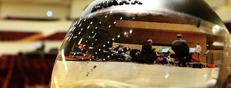 reflet d'une répétition de l'Orchestre national de Lille dans un casque