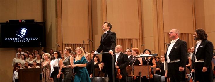 à Bucarest, Cornelius Meister salue après une Huitième de Mahler exceptionnelle