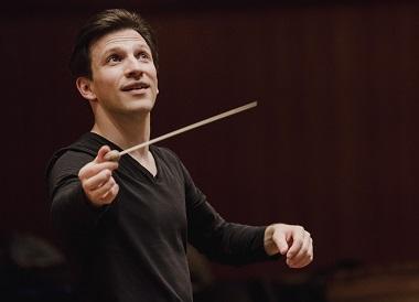 À la Beethovensaal de Stuttgart, Cornelius Meister joue Illés, Martin et Strauss