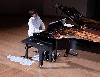 Le jeune pianiste Mikhaïl Bouzine en récital à Lille Piano(s) Festival 2021