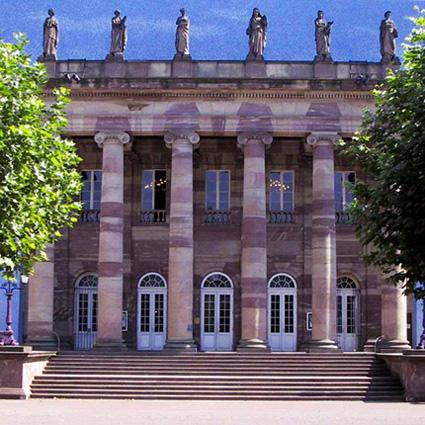 façade du Théâtre municipal de Strasbourg, avec ses six cariatides