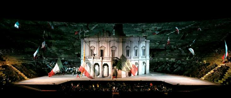 Arnaud Bernard signe brillamment le nouveau Nabucco des Arènes de Vérone