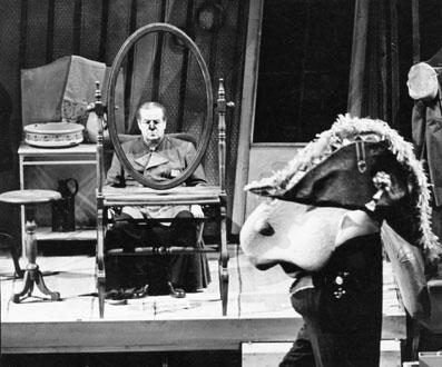 Le nez, opéra de Chostakovitch, production de Dresde 1984 projetée au Louvre