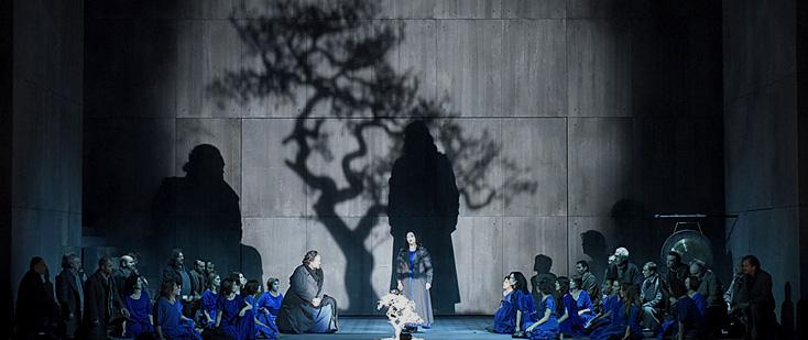 Stéphane Braunschweig met en scène Norma (Bellini) au Théâtre des Champs-Élysées