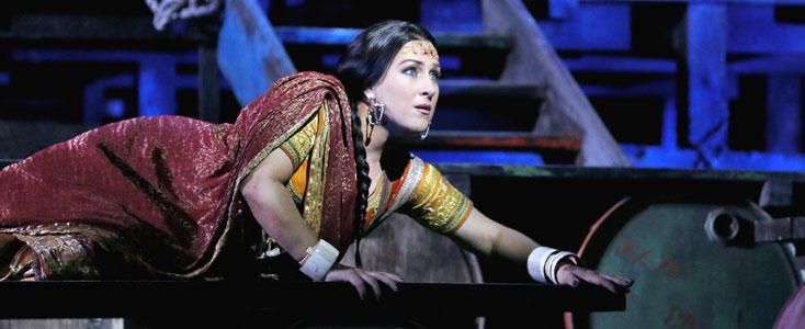 Diana Damrau en Leila des Pêcheurs de perles (Bizet) au Met' (New York, 2016)