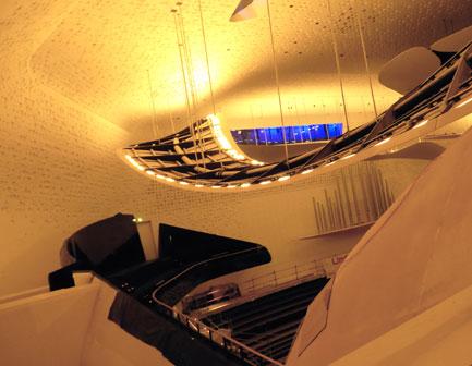 accès à la grande salle de la Philharmonie © Bertrand Bolognesi