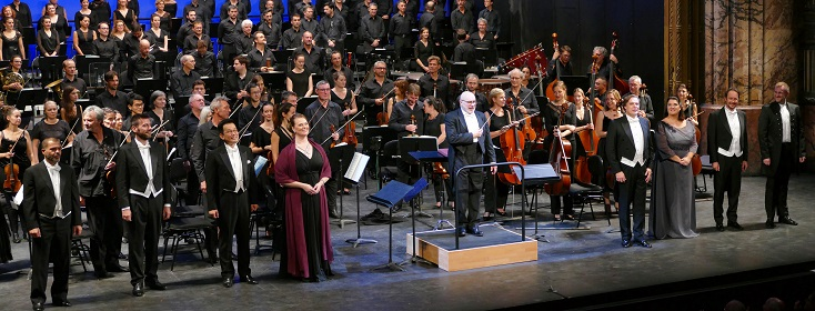 Giuliano Carella dirige le Chœur et l'Orchestre de l'Opéra de Marseille
