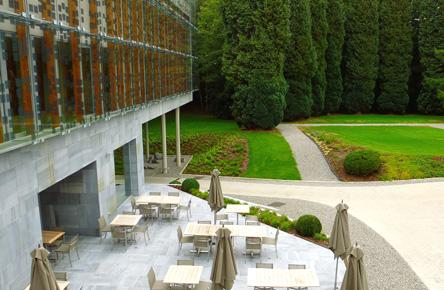 terrasse de l'Aile de Launoit, Chapelle musicale Reine Élisabeth © Bolognesi